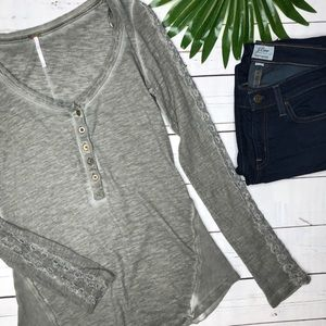 {Free People} sz S shell stitch Henley tee
